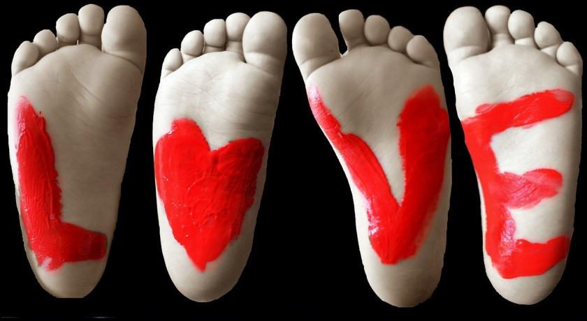 feet-261750_1280